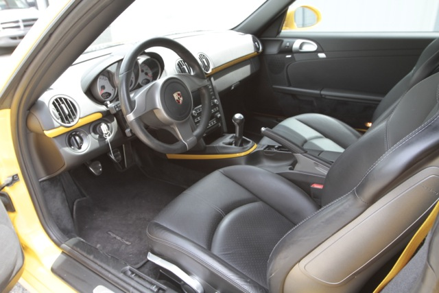 2010 Porsche Cayman S PCA Track Car Interior