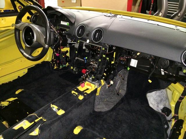 2010 Porsche Cayman S PCA Track Car Stripped 1.jpg